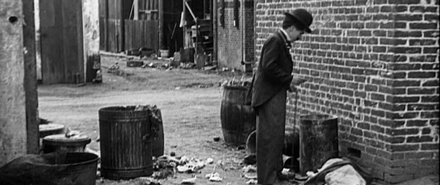 Charlie Chaplin's THE KID (1921) movie review