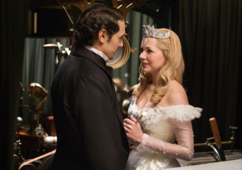 james-franco-and-michelle-williams-in-oz-the-great-and-powerful