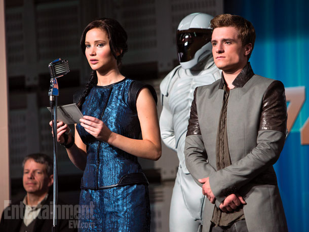 catching-fire-pics-katniss