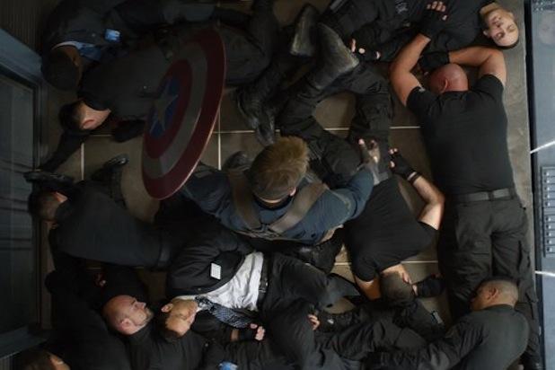 Chris_Evans-Captain-America-Photo-1