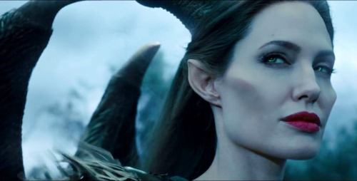 angelina-jolie-in-maleficent-movie-6