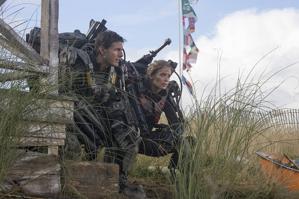 Edge-of-Tomorrow-2014-English-Movie-Plot-Review-611