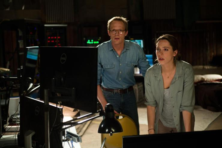 still-of-paul-bettany-and-rebecca-hall-in-transcendence-(2014)