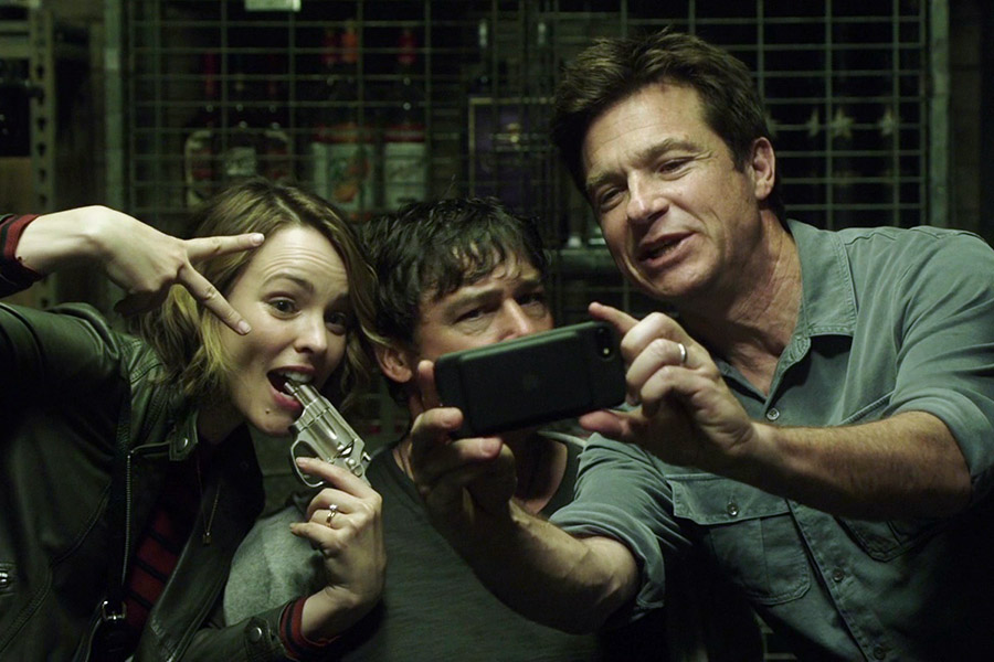 Apple-iPhone-Used-by-Jason-Bateman-in-Game-Night-2 | Splatter: on FILM